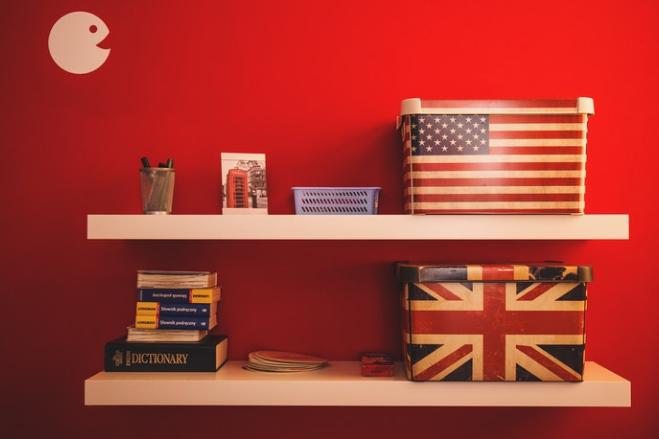 English-flag-and-english-dictionary